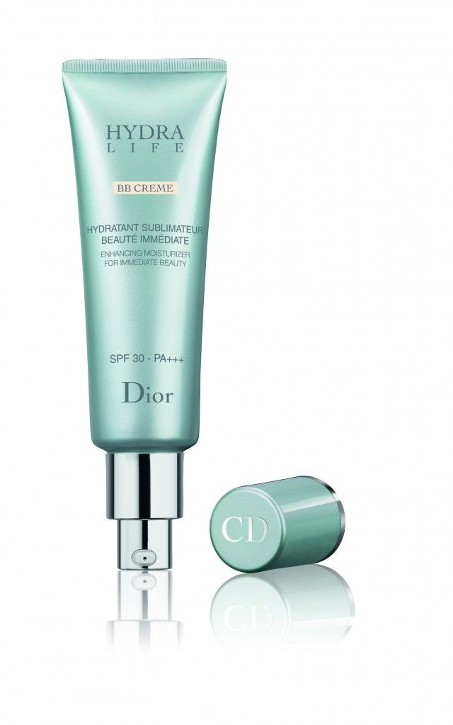 DIOR Hydra Life BB Crème - tinted moisturizer inspired by asian BB Creams with active anti aging ingrediends. Read more: http://www.magi-mania.de/dior-hydra-life-bb-creme/