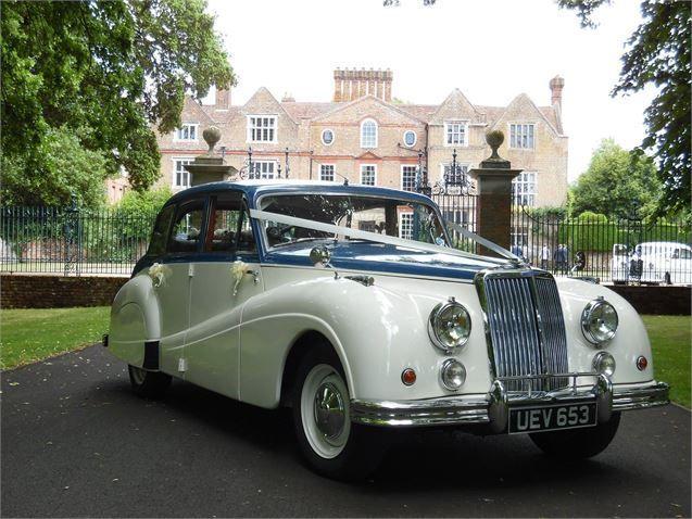 Wedding Car Hire Luxury Etiquette British Bride Groom