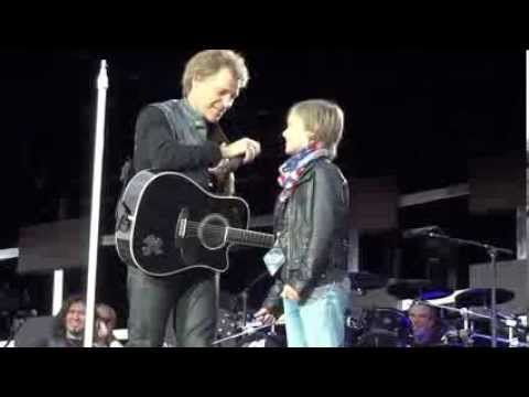 Jon Bon Jovi And His 11 Years Old Fan absolutely the most awesome thing you could do for a kid!! WOW!! & he wipes Jon off the stage!!LOVE IT!!!