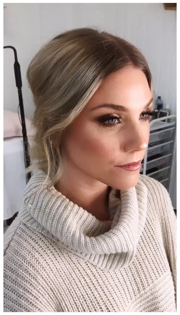 Wedding Makeup for Blue Eyes Bronzed and Luminous Makeup