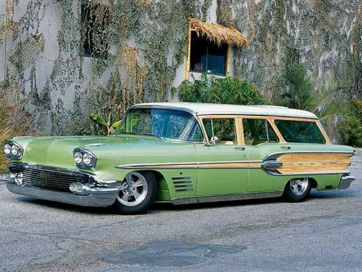 Love Pontiacs and love station wagons