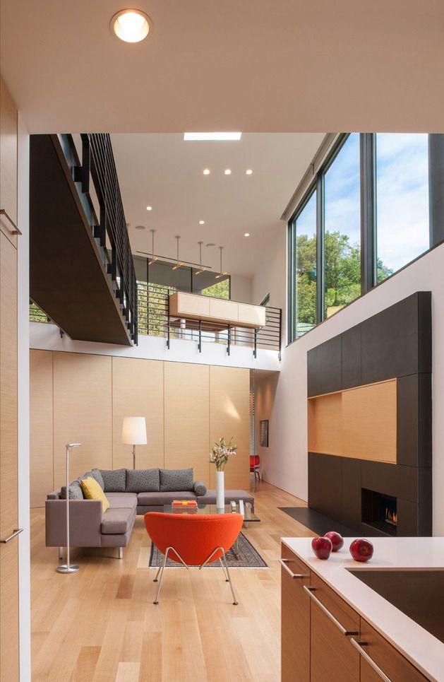 Planos de casa en terreno triangular fachada e interiores for Diseno de interiores minimalista espacios pequenos