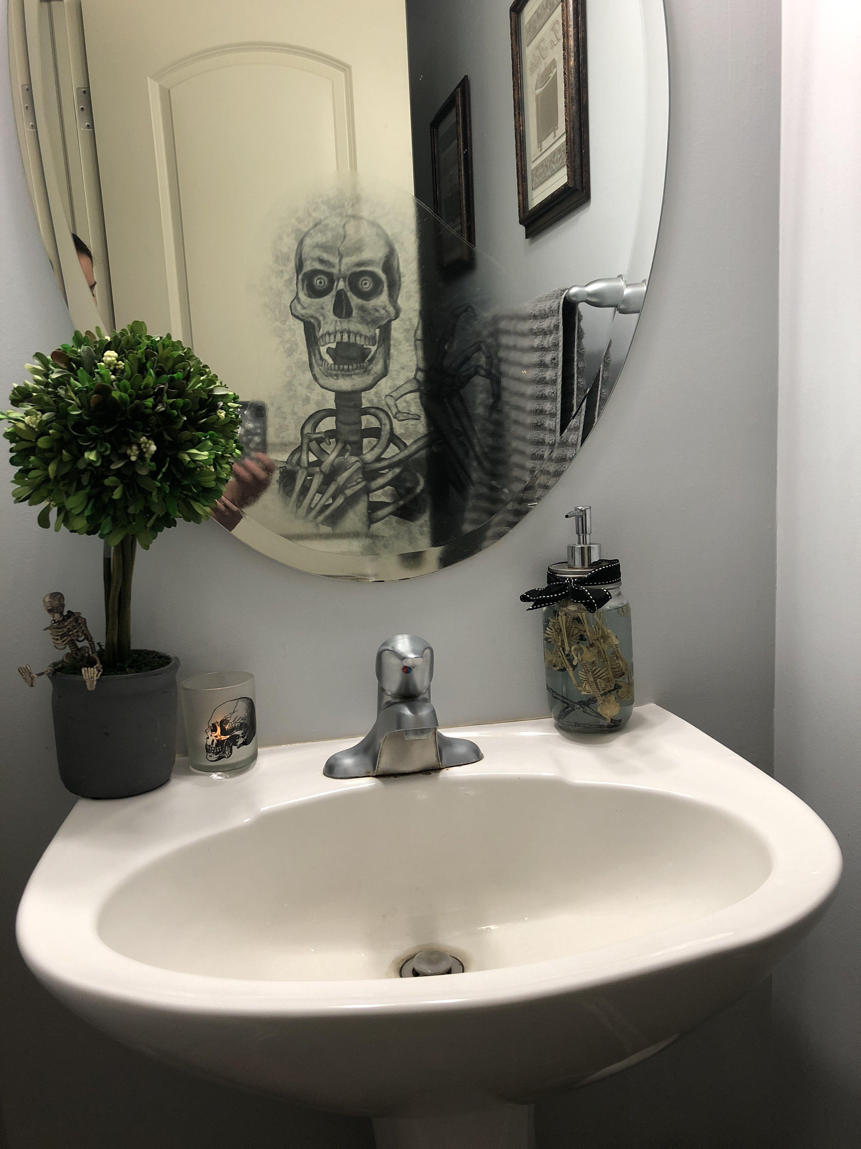 Halloween bathroom decor   Halloween bathroom, Scary ...