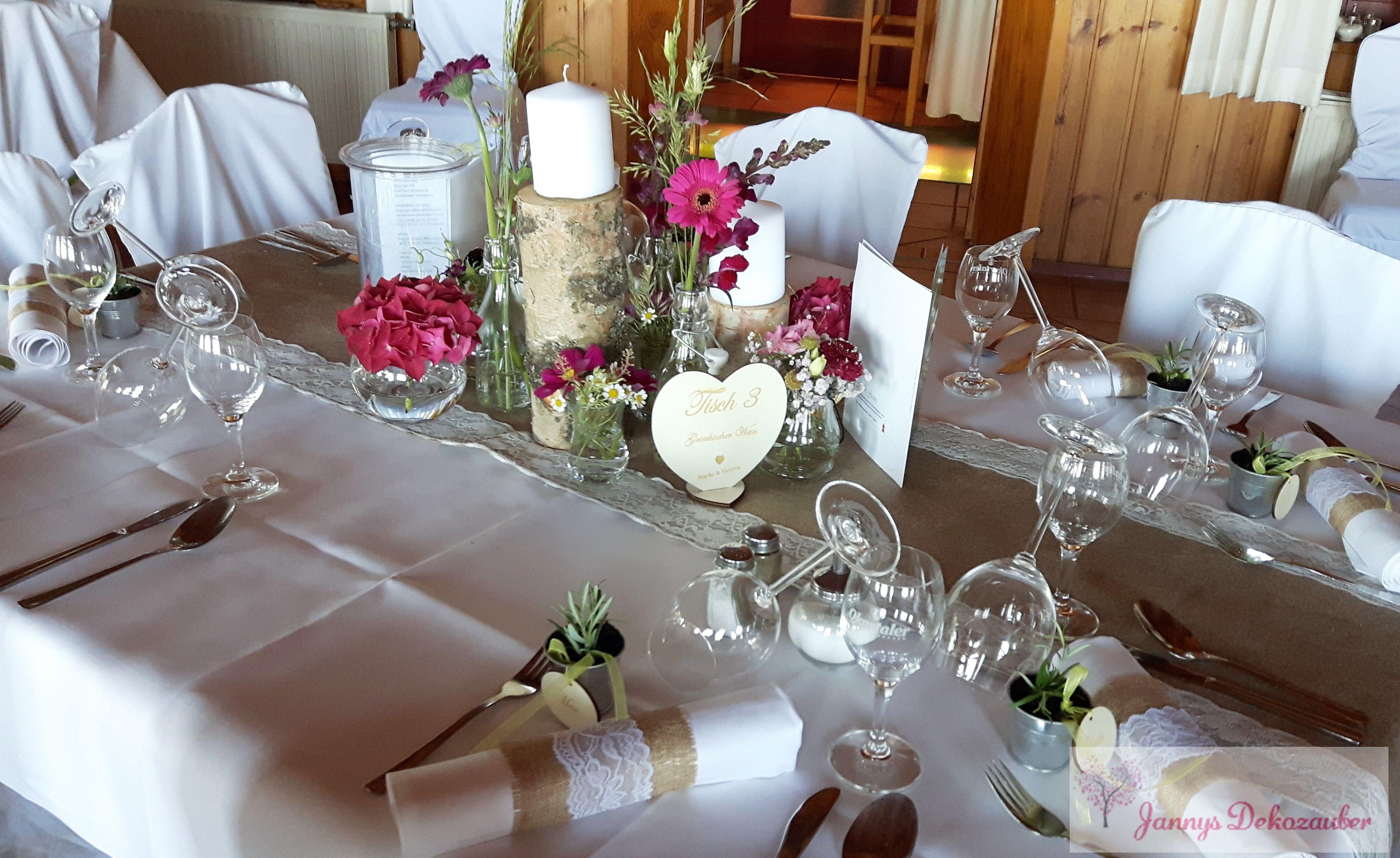 Tischdeko Hochzeit Holz Originelle Landhaushochzeit Mit Vw Bulli