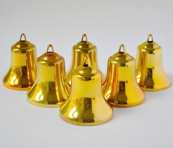 Vintage Set Of Gold Plastic Christmas Bell By Thegoldgator On Etsy Bell Ornaments Vintage Classic Decor