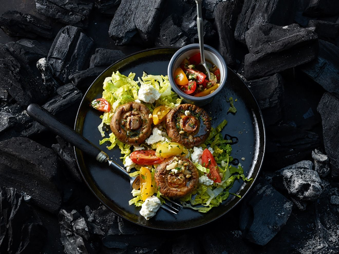 grillierte riesenchampignons mit tomaten mandel