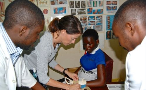 Looking for a volunteer opportunity? Interested in international hand therapy work? ASHT member Gayle Severance discusses a new HVO hand therapy project at Komfo Anokye Teaching Hospital (KATH) in Ghana in our latest blog.