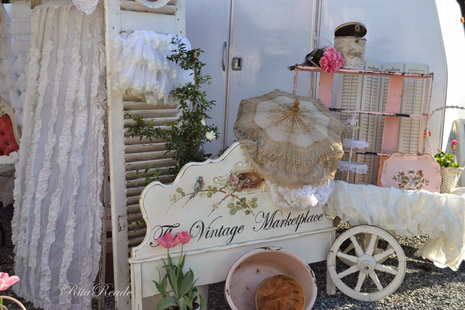 The Vintage Marketplace: Entrance of The Vintage Marketplace at the Oaks - March 2014