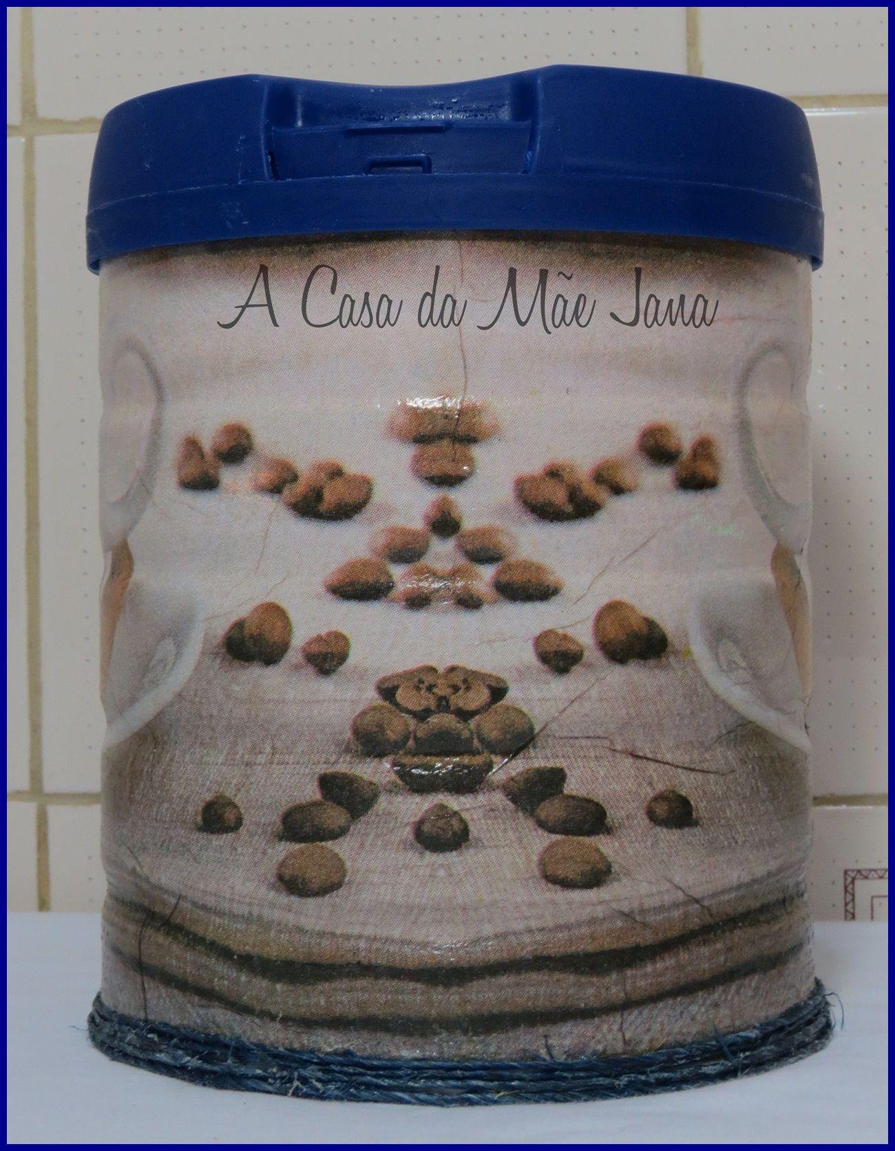 Latas com decoupage  http://acasadamaejana.blogspot.com.br/2015/12/resultado-da-enquete.html
