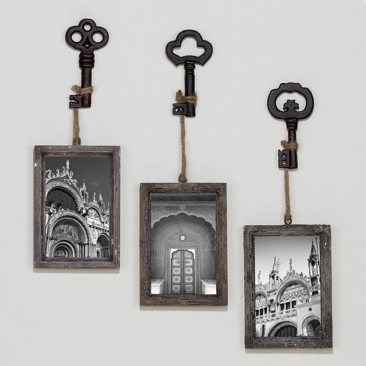 Monochromatic Skeleton Key Photo Hooks