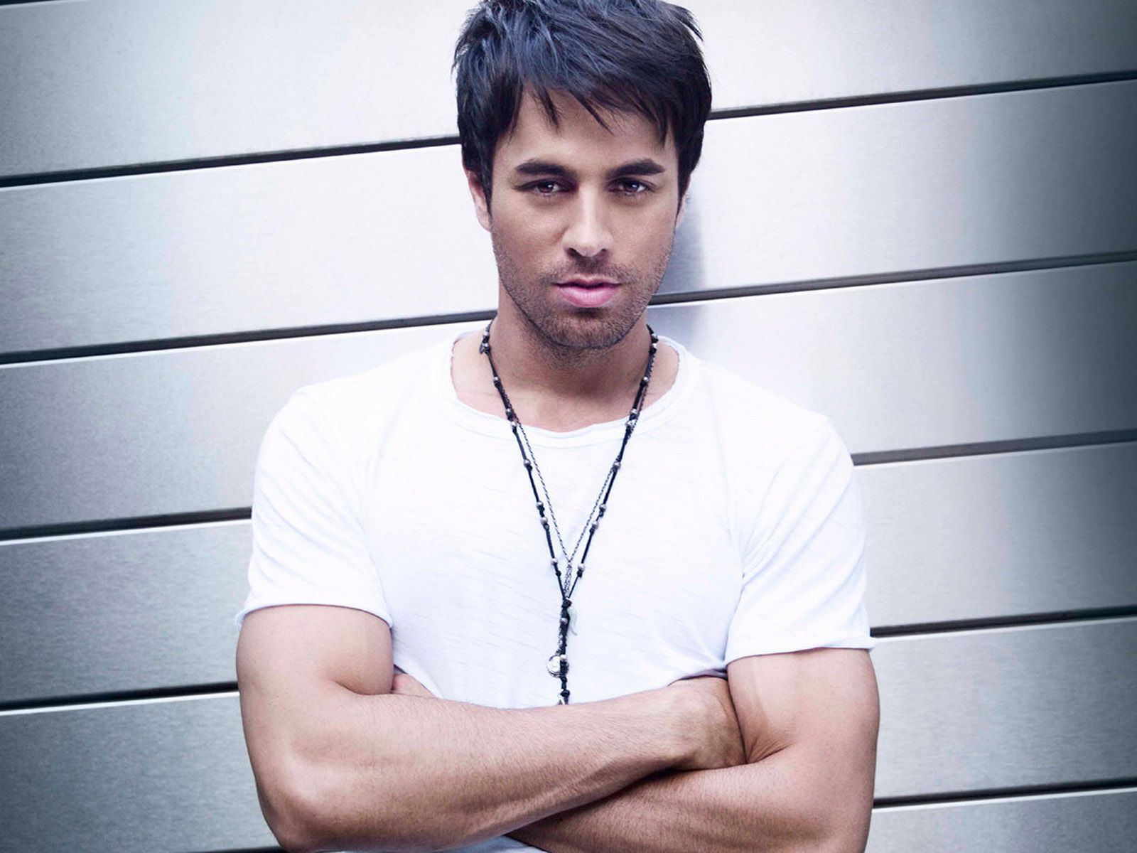 2013 Enrique Iglesias Hairstyles and haircuts.http://dailyhairstyles.net/2013-enrique-iglesias-hairstyles-and-haircut-models.html