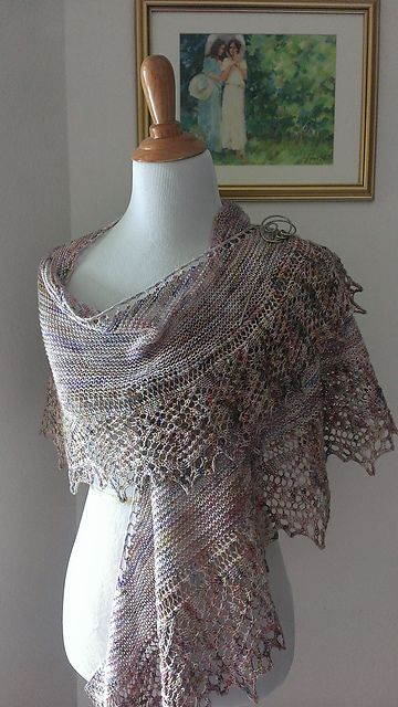Ravelry: MrsDonnelly's Teaberry Crescent