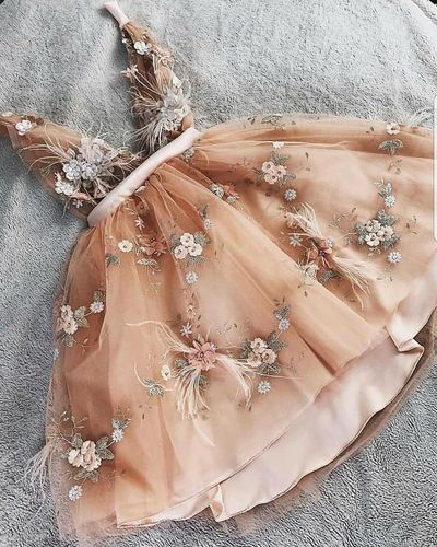 LS0612,short champagne sleeveless v-neck applique flowers tulle lace homecoming dress from Leno Dress