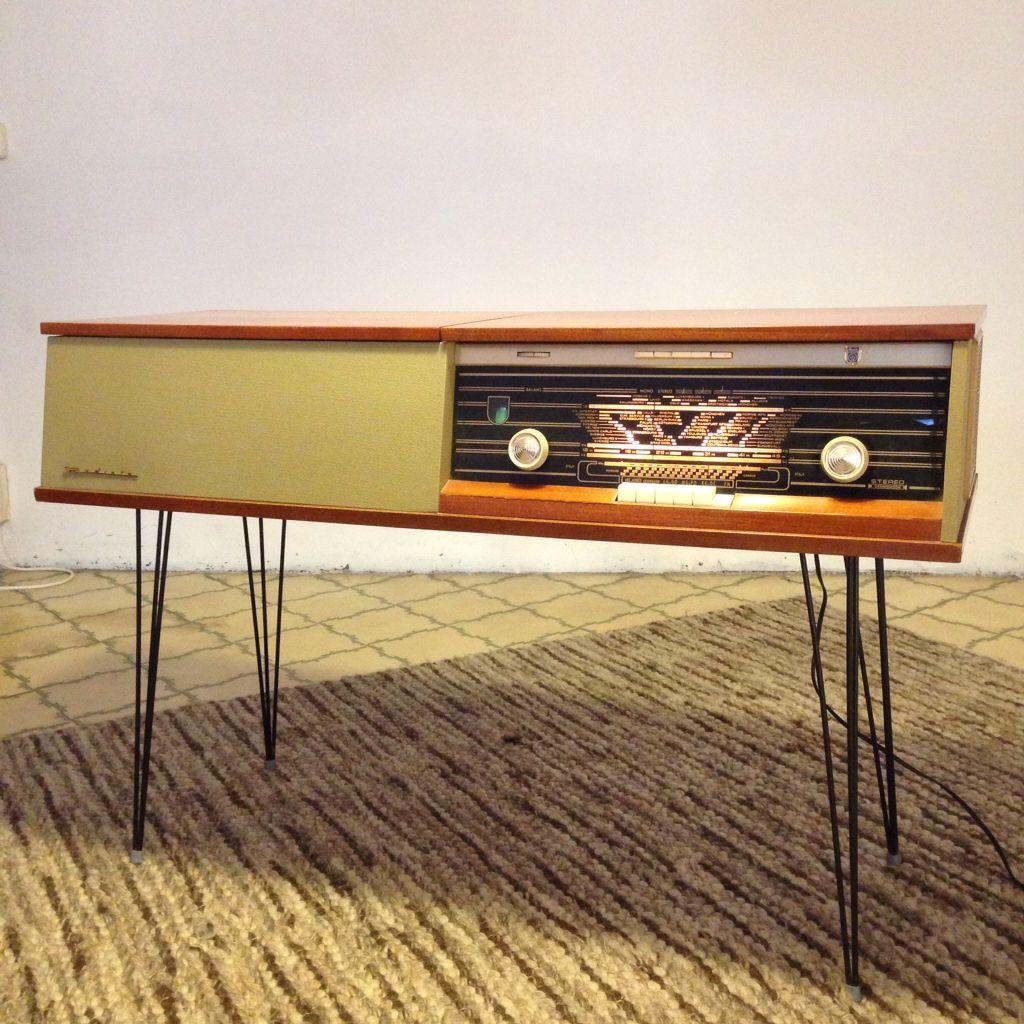 Mueble radi tocadiscos radiola tok dizk mod l r for Muebles para tocadiscos