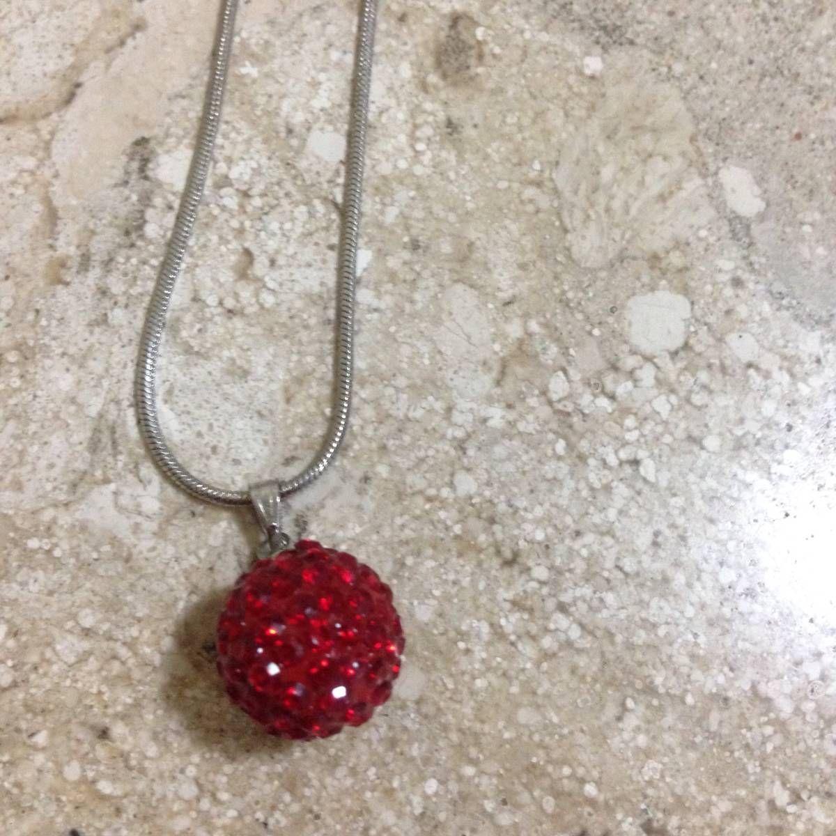 colar vermelho - bijoux sem marca