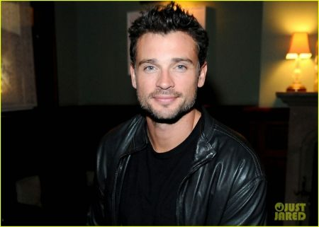 HAS ANYONE SEEN TOM WELLING LATELY??!!