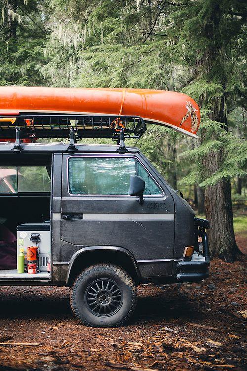 Photo of Syncro VW Van mit Kanu Camping in der Nähe von Mt. Rainier, WA. | Justin Bailie Fotografie