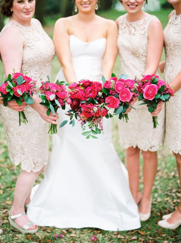 Bride and bridesmaids + bright pink wedding bouquets | fabmood.com