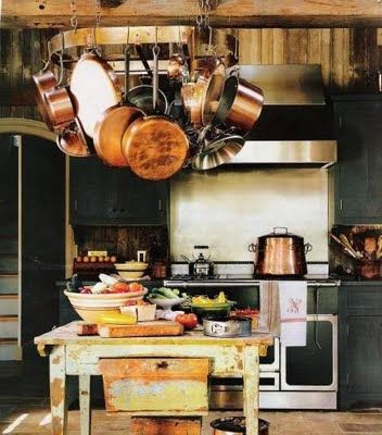 Hanging pots and pans, such a beautiful rustic look!