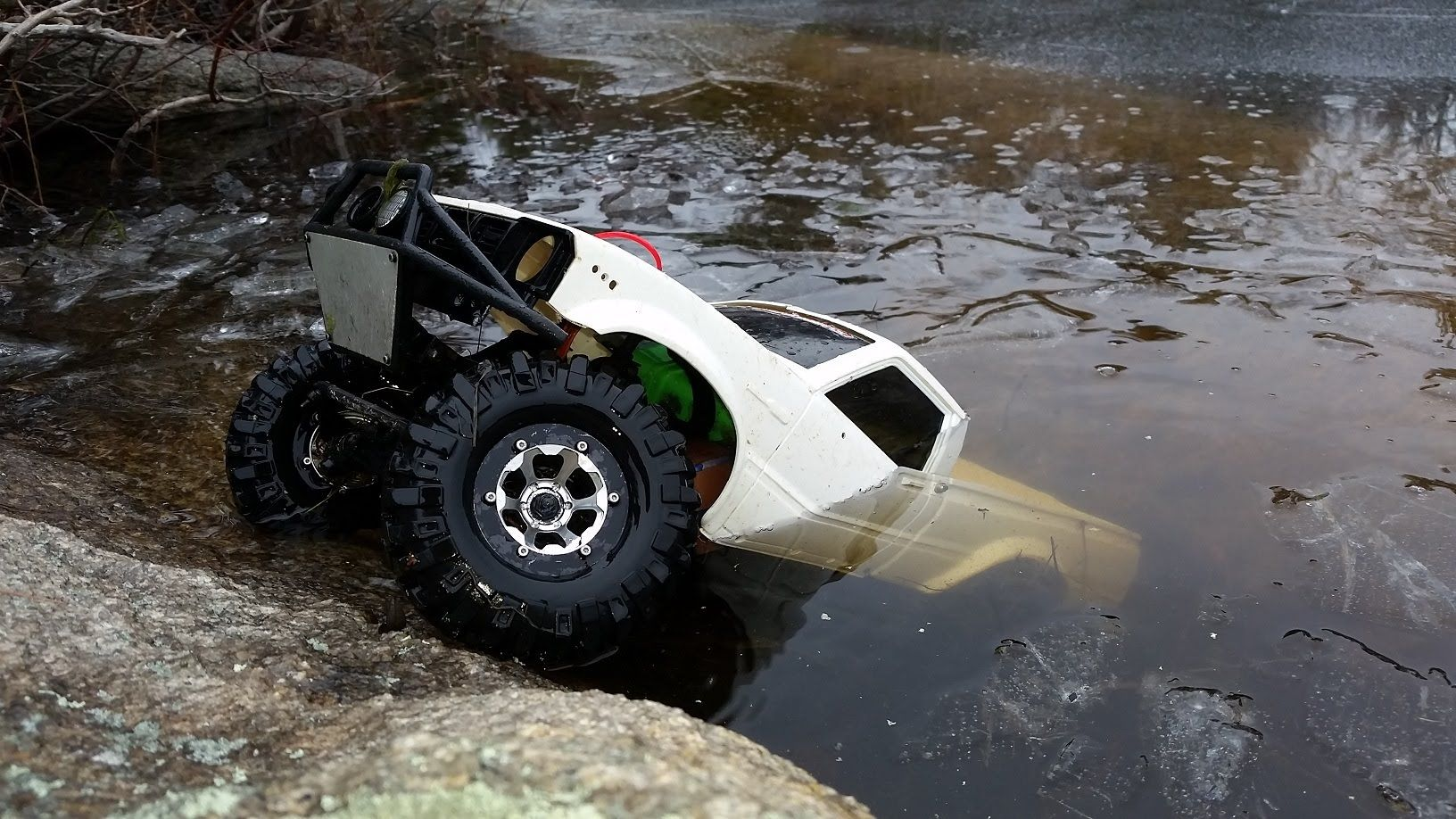 INSANE! RC Truck Drives Under Ice!! Axial SCX10 Toyota