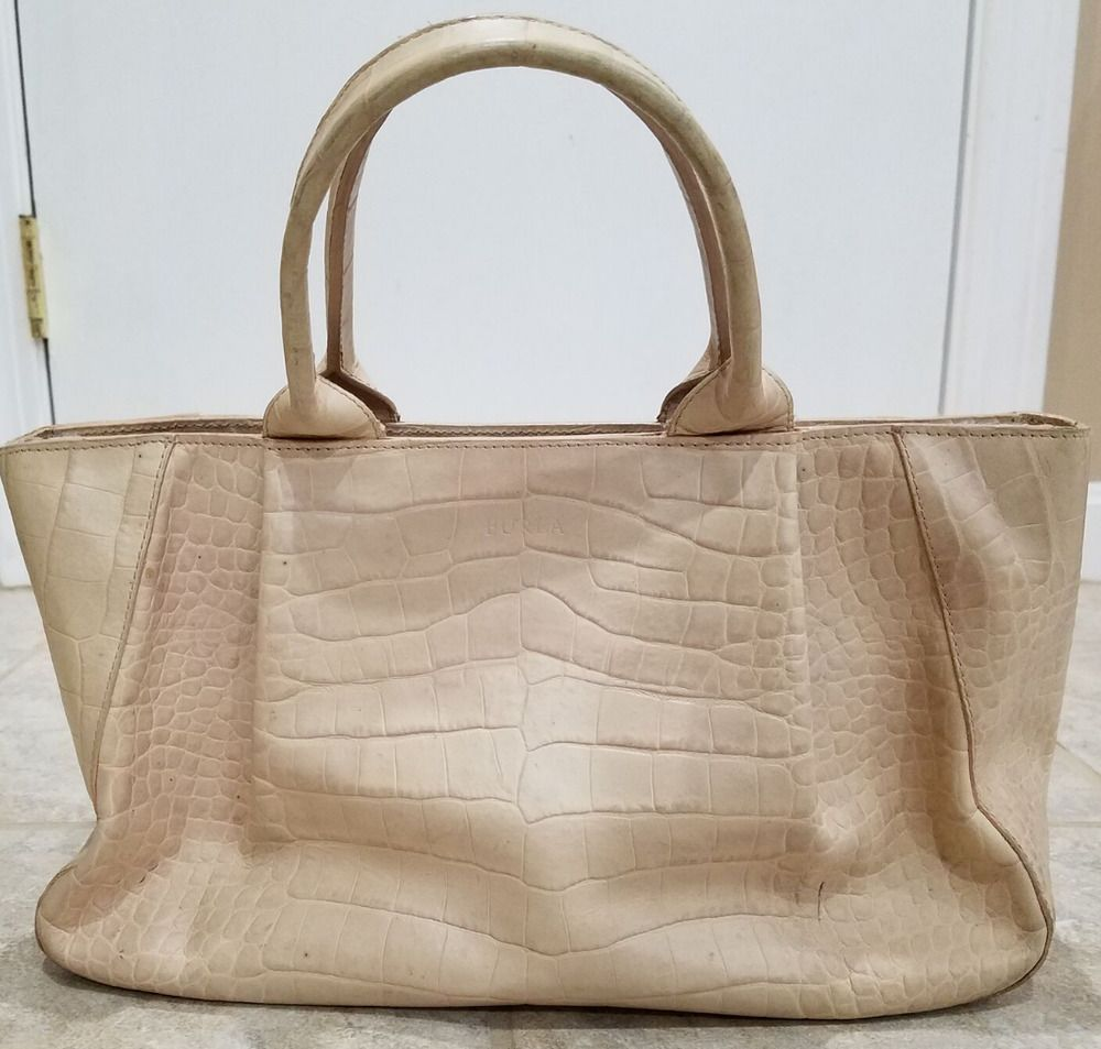 Pre Owned Furla Leather Handbag Made In Italy High End Bag With