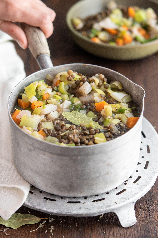La Recette D Un Des Grands Classiques De La Cuisine Francaise Le Pot Au Feu Revu Et Simplifie Cuisine Francaise Traditionnelle Recette Cuisiner Les Legumes