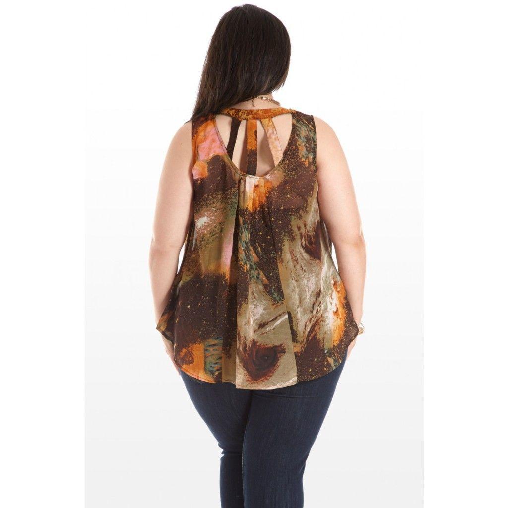 Plus size hi-lo top, plus size fashion, plus size style, plus size OOTD, plus size high low top, plus size asymmetric top.