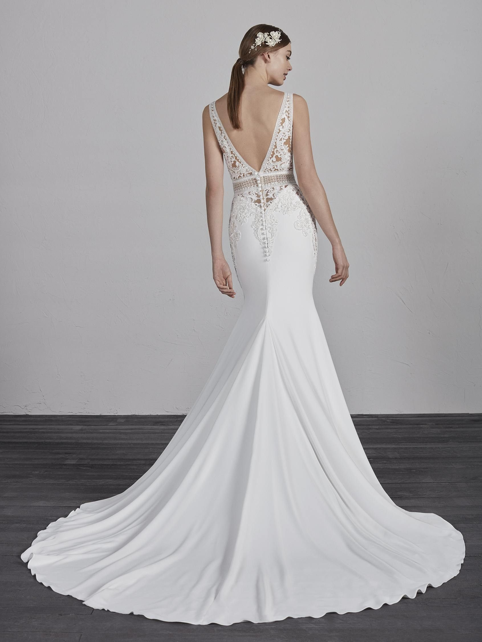 Try It On At Ellie S Bridal Boutique Alexandria Va Pronovias Emily Pronovias Wedding Dress Fit And Flare Wedding Dress Wedding Dresses Kleinfeld