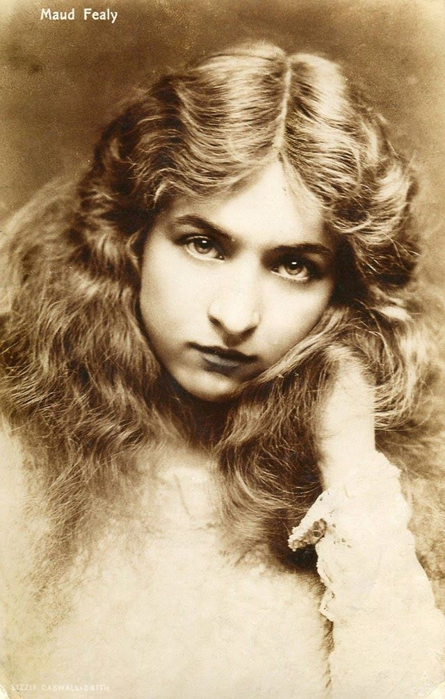 vintage everyday: 30 Beautiful Portraits of Maude Fealy from the Early 1900s