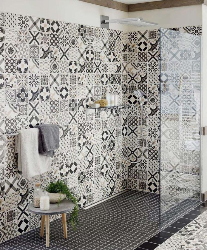 Carrelage Mur Interieur Douche Mosaique Belle Epoque Vm Noir Blanc Gris Idee Salle De Bain Carreau De Ciment Douche Travaux Salle De Bain