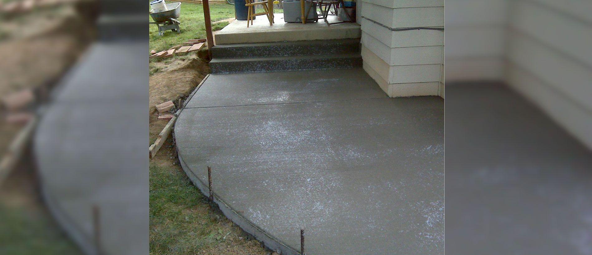 Commercial Concrete Sidewalks Near Thornton, CO Wood