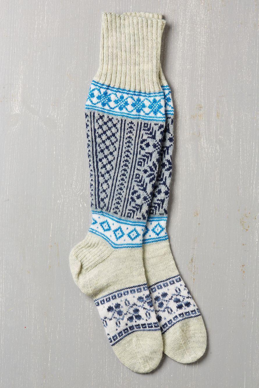 Metsan Ja Elainten Ystavalle Sopivat Komeat Hirvisukat Pitkat Varret Lammittavat Mukavasti Talvi Iltoina Beautiful Knitting Hand Knit Socks Knit Crochet