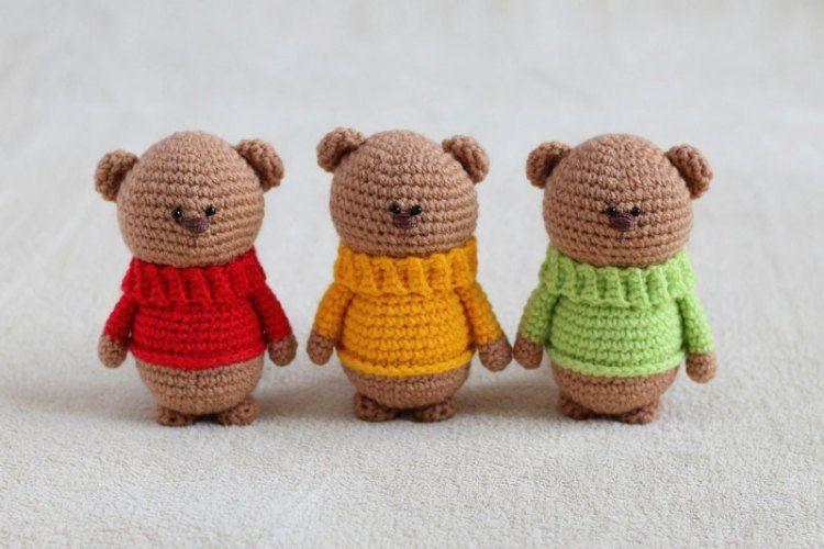 Amigurumi Doll Free Crochet Pattern : Amigurumi teddy bear brothers in sweaters free crochet amigurumi