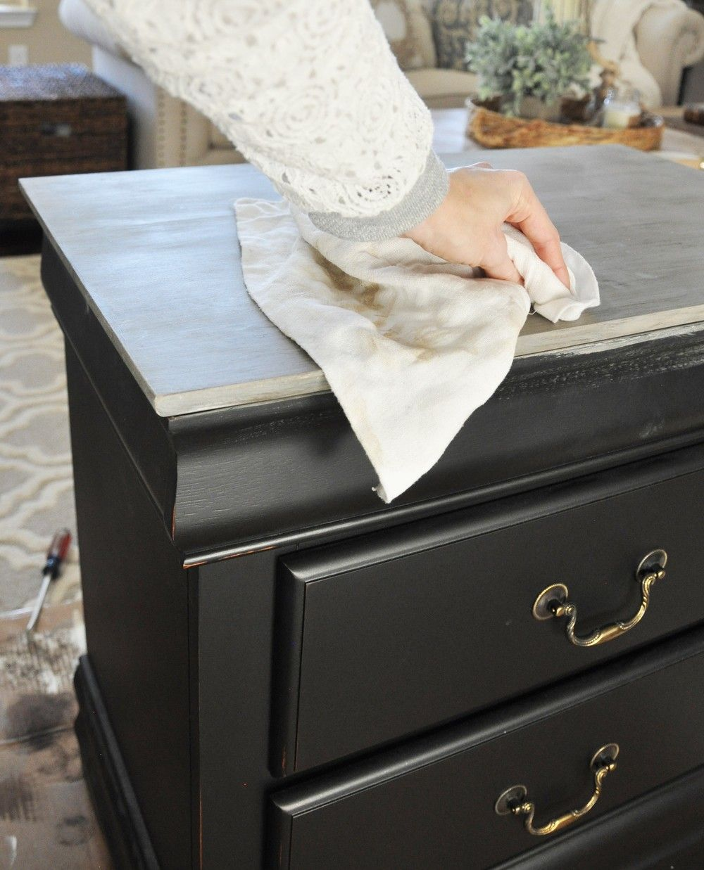 Nightstand Chalk Paint Tutorial Chalk Paint Tutorial Painted Bedroom Furniture Painted Night Stands
