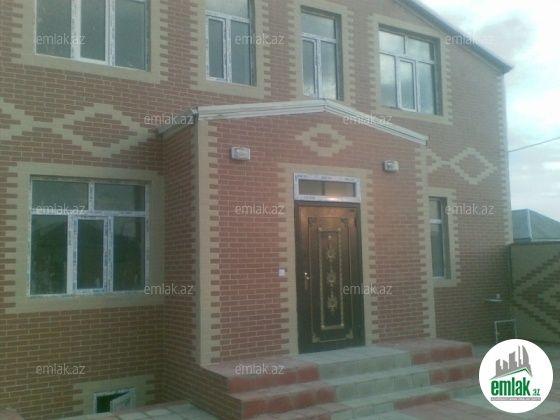 Satilir 4 Otaqli 140 M2 Ev Villa Hovsan Hovsan Qesebesi Unvaninda House Styles House Home Decor
