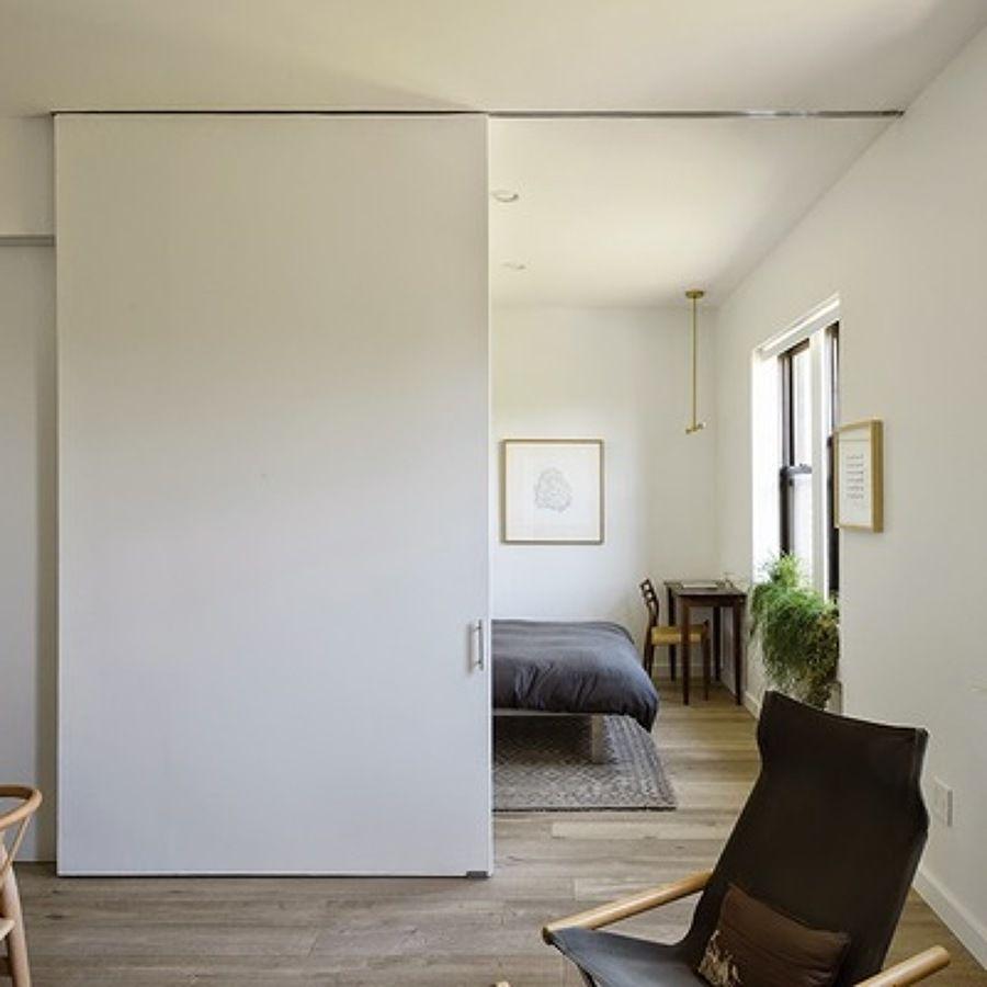 Resultado de imagen de separar ambientes con pladur for Construir puerta corredera