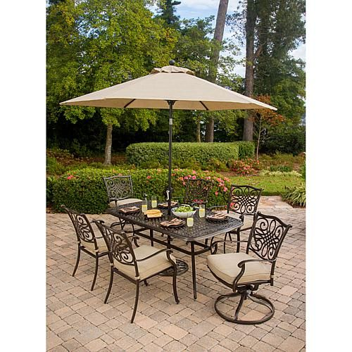Hanover Traditions 9' Tilt Umbrella with Crank Lever