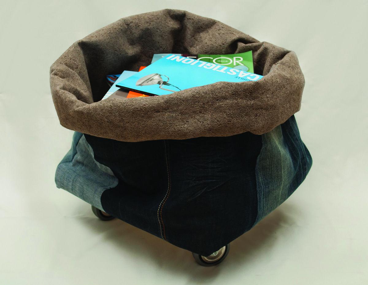 Portariviste jeans hang design jeans moacasa design libri