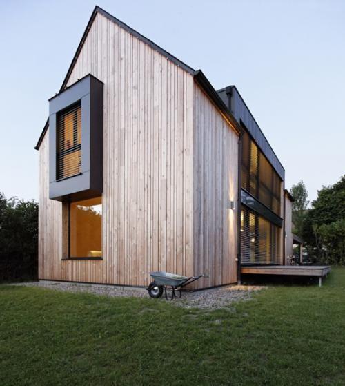 Maison lente karawitz architecture yvelines france for Container maison passive