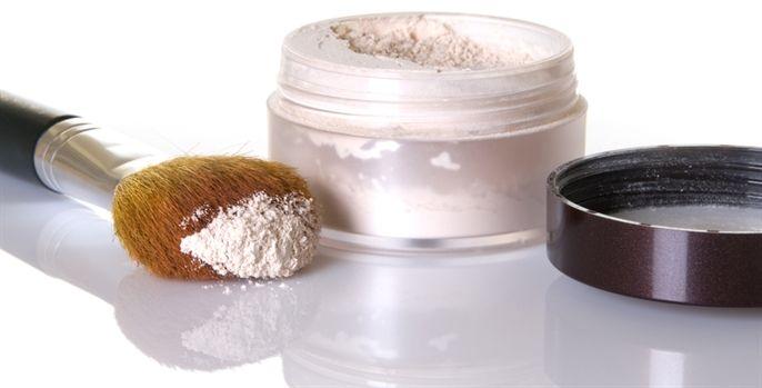 Conheça mais sobre esse produto que fixa a maquiagem e suaviza o brilho da pele