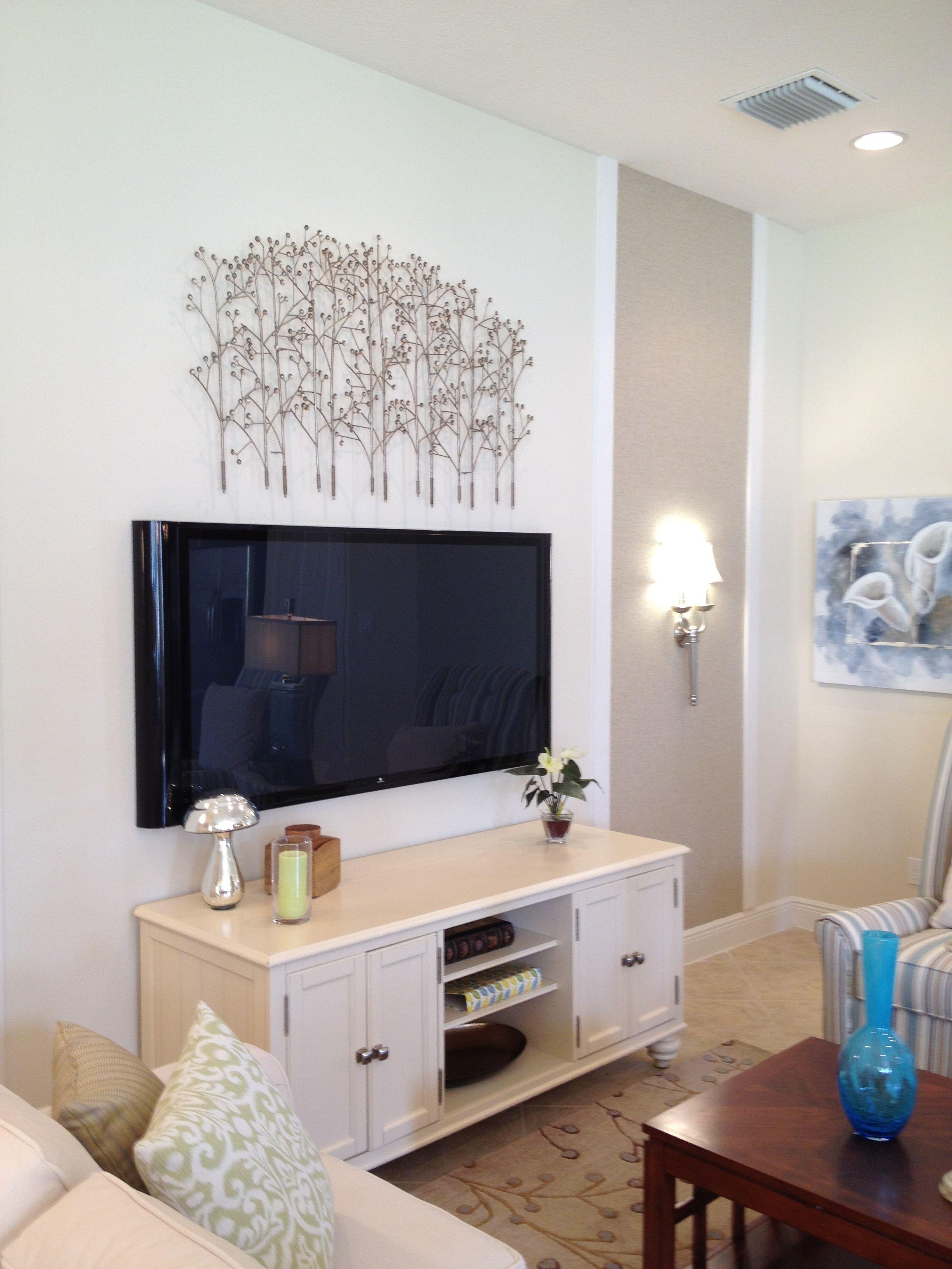 Molding with wallpaper panel. Мебель, Гостиная