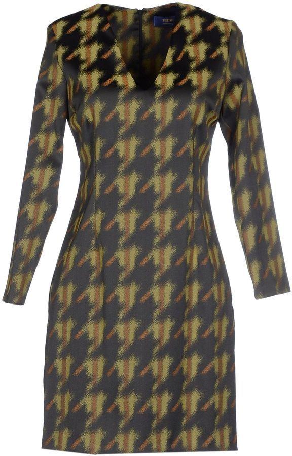 VIEW Short dresses