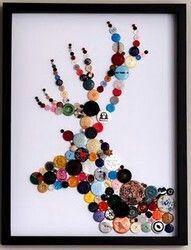 ⊙ Cute as a Button ⊙  artful button crafts and diy inspiration - framed button deer
