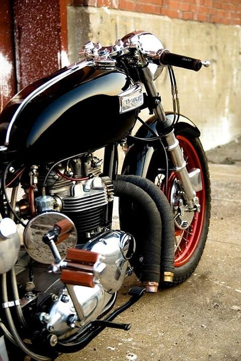 Custom Triumph 750 Bobber.......