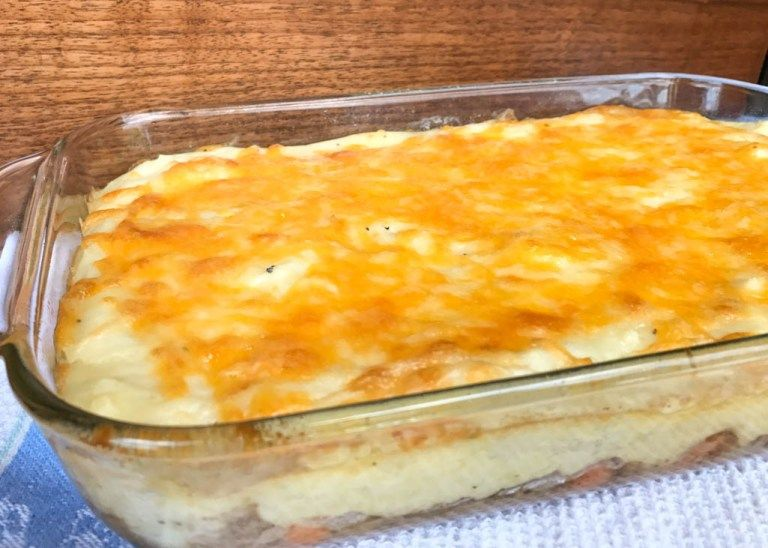 Easy Shepherd S Pie Recipe Using Pre Cooked Mashed Potatoes In 2020 Shepherds Pie Recipe Easy Shepherds Pie Recipe Easy Shepherds Pie