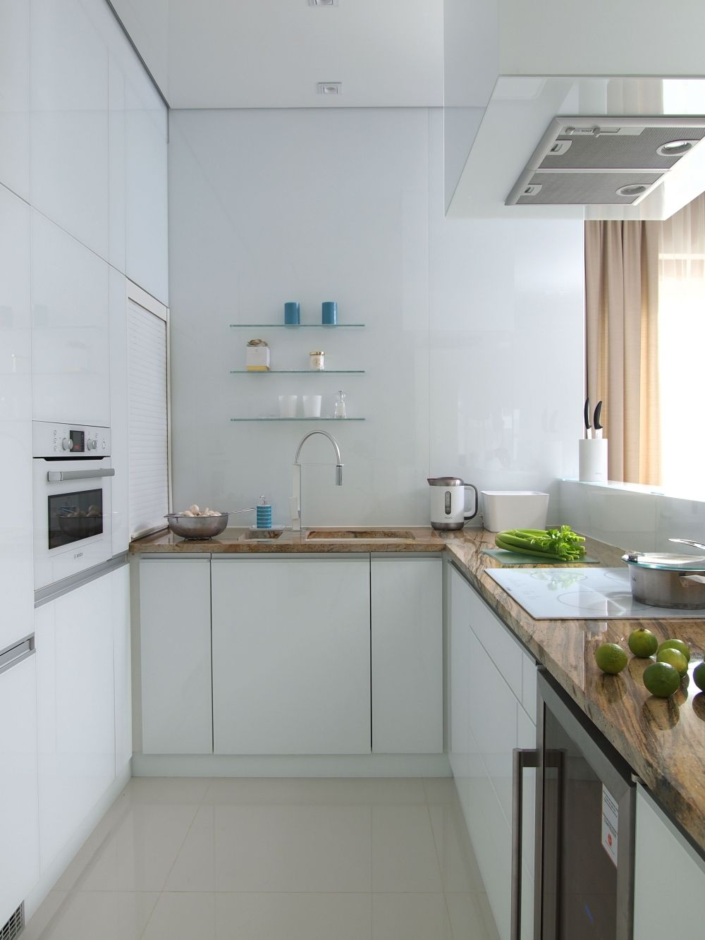 Biala Kuchnia Swietny Pomysl Do Malej Kuchni Home Kitchens Kitchen Small Kitchen