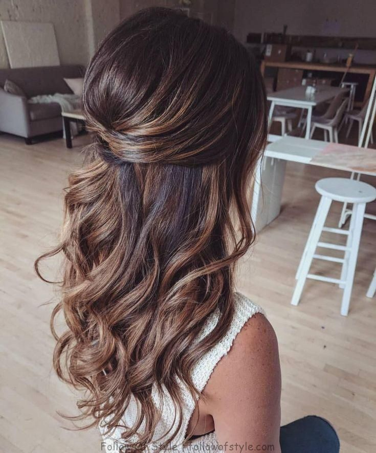 39 Wunderschone Half Up Half Down Frisuren Fabmood With Images Half Up Hair Wedding Hairstyles For Long Hair Down Hairstyles