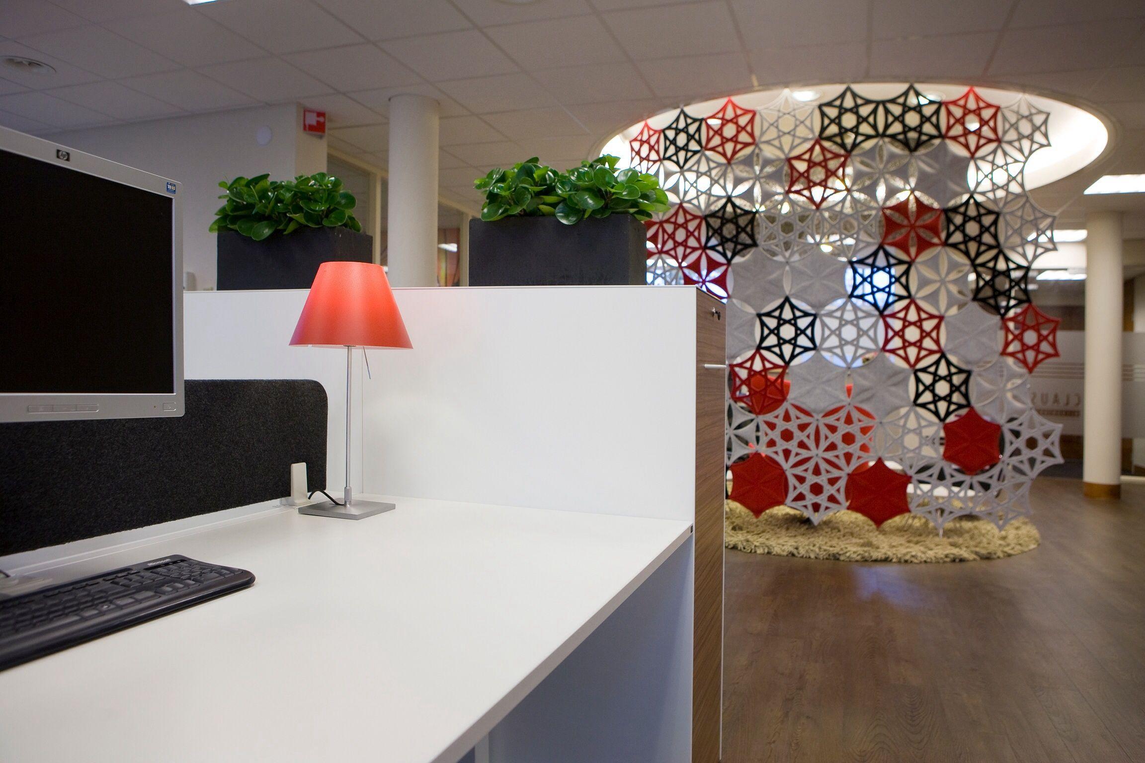 Accountant kantoor; oplevering 2011 semi gescheiden werkplekken
