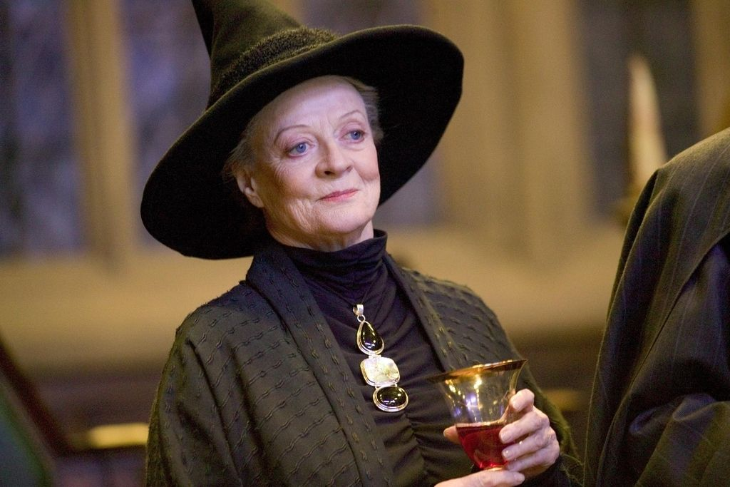 Maggie Smith Maggie Smith Harry Potter Harry Potter Characters Maggie Smith