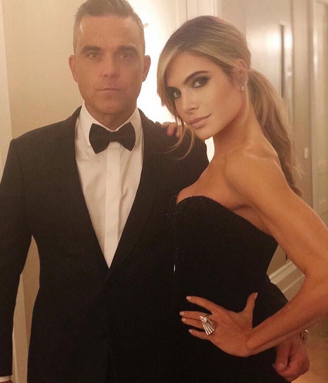 Robbie Williams And Ayda Field Foryourroyalinformation Royalwedding Princesseugenie Jackbrooksbank Konigliche Hochzeit Prinzessin Eugenie Robbie Williams